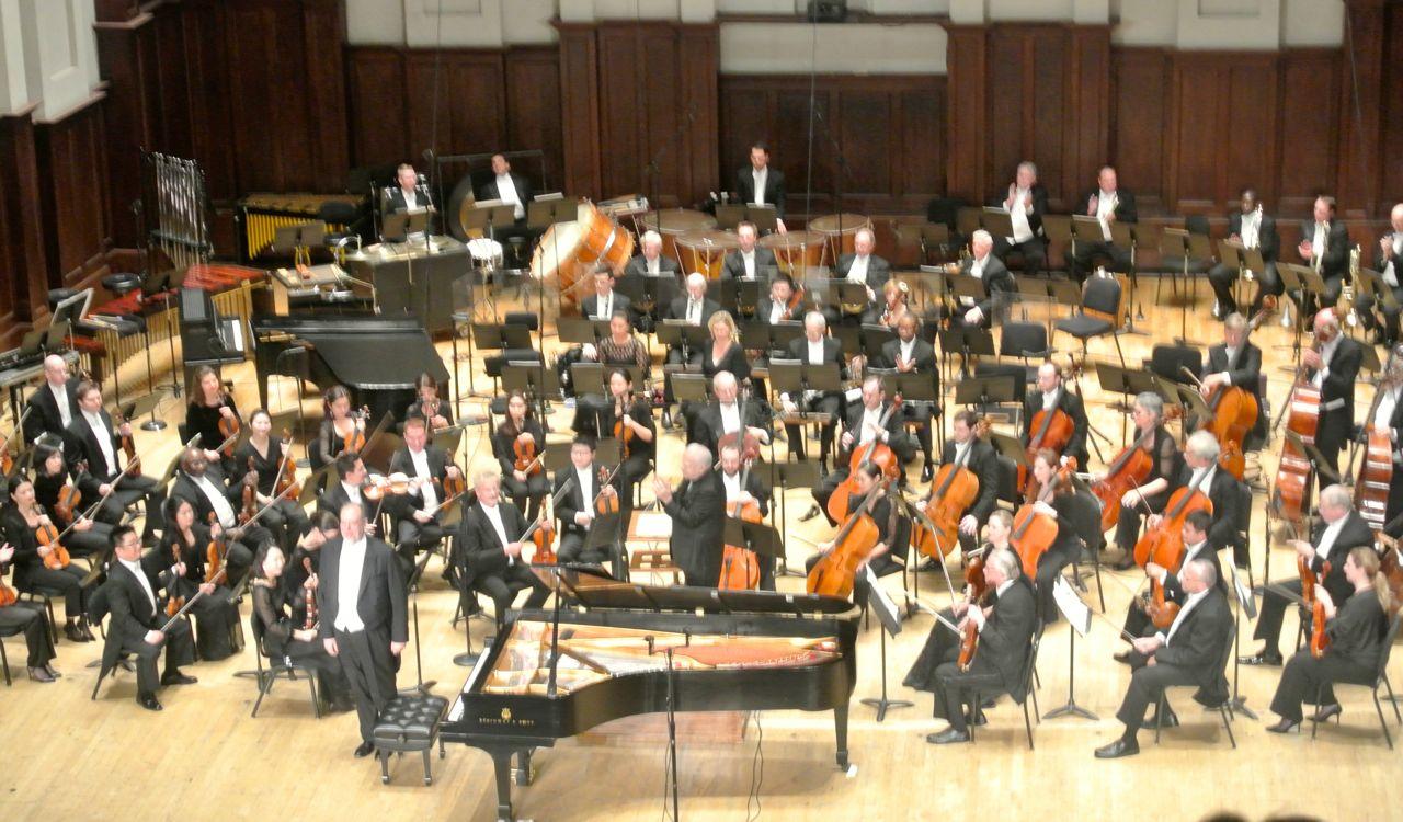 Ovation following Garrick Ohlson's Rachmaninov performance